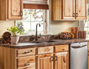 47-wonderful-wood-kitchen-cabinets-for-lovely-home